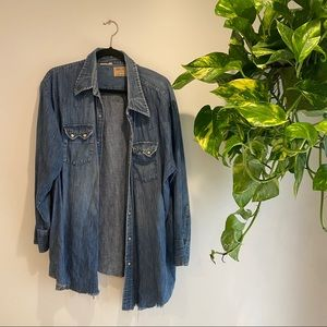 Vintage denim long sleeve button up
